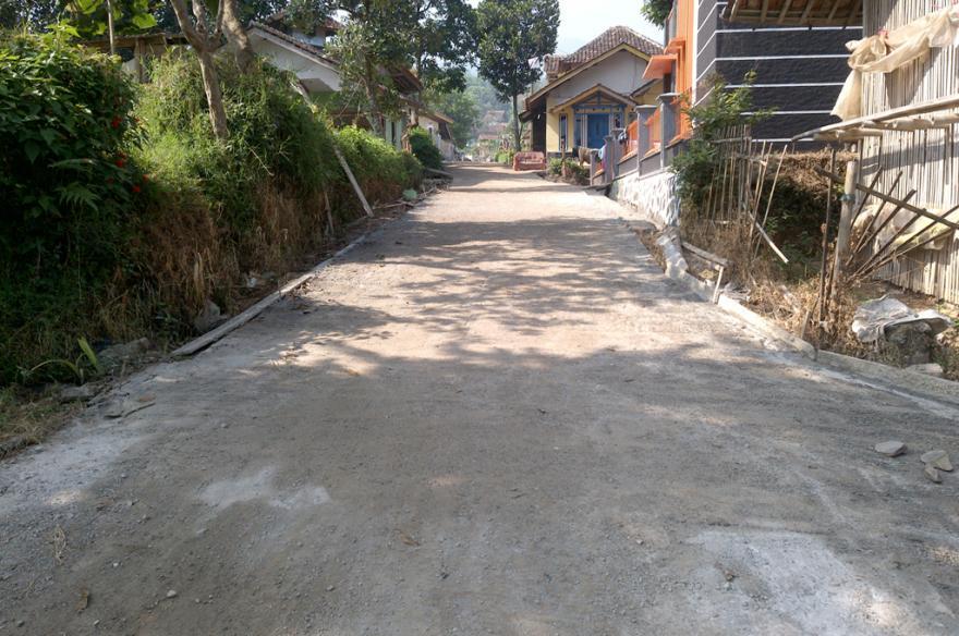 Pembangunan dan Perbaikan Jalan Desa Drawati