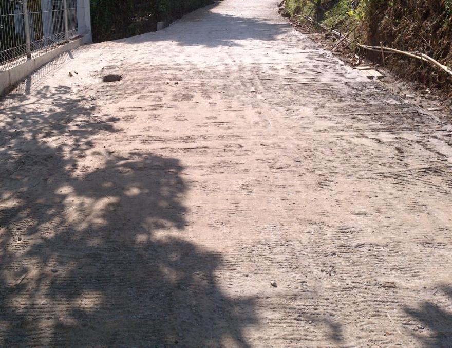 Pembangunan jalan desa